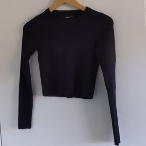 Black sweater cropped